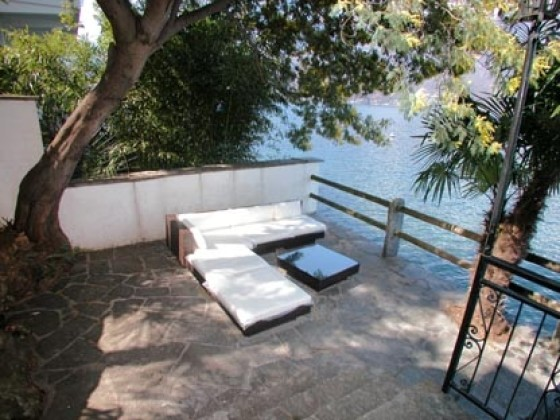 home ferienhaus casa pianino haus direkt am lago. Black Bedroom Furniture Sets. Home Design Ideas